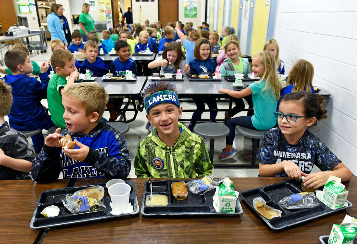 Minnewaska Area Schools students eating lunch