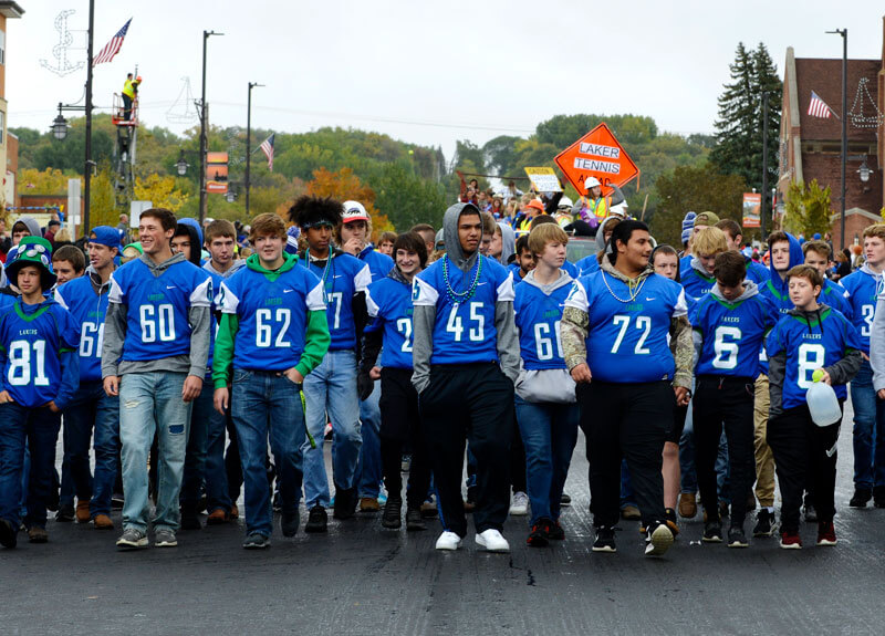 Minnewaska-Schools-athletics-parade